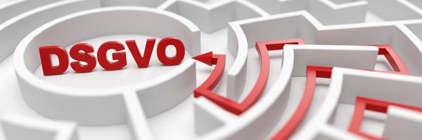 DSGVO als Ziel in einem Labyrinth als Konzept für Orientierung in und Erfolg mit der Verordnung